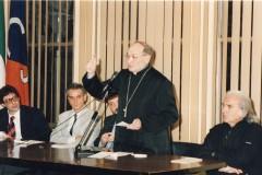 7-Relatore-il-Vescovo-di-Lodi-Mons.-Giacomo-Capuzzi