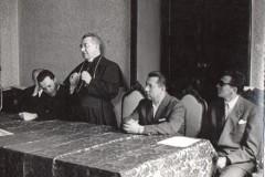 21-5-Tavolo-dei-relatori-vedi-Vescovo-.........